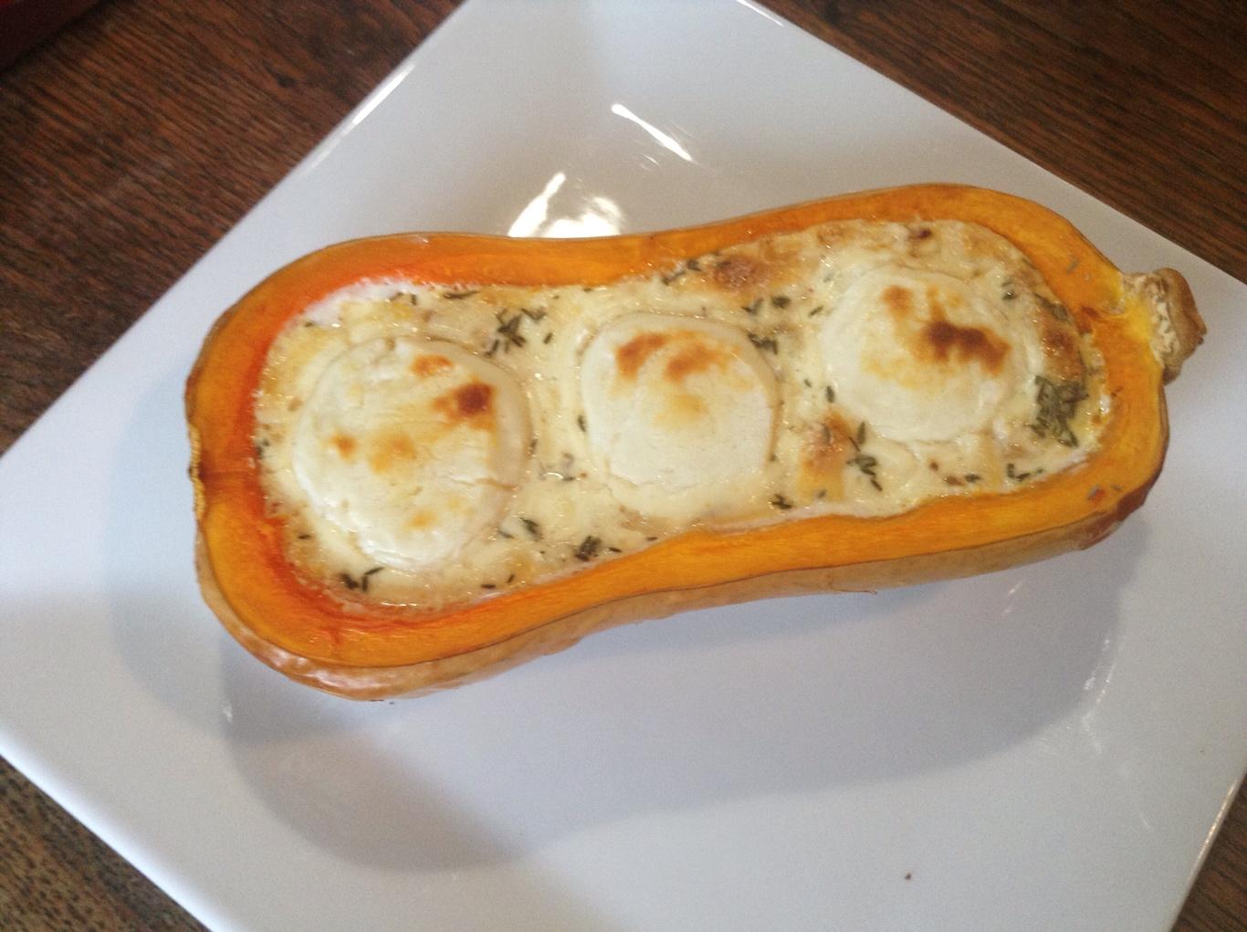 Butternut farcie au ch vre lardons et thym recettes de cuisine avec thermomix ou pas - Comment cuisiner les butternuts ...